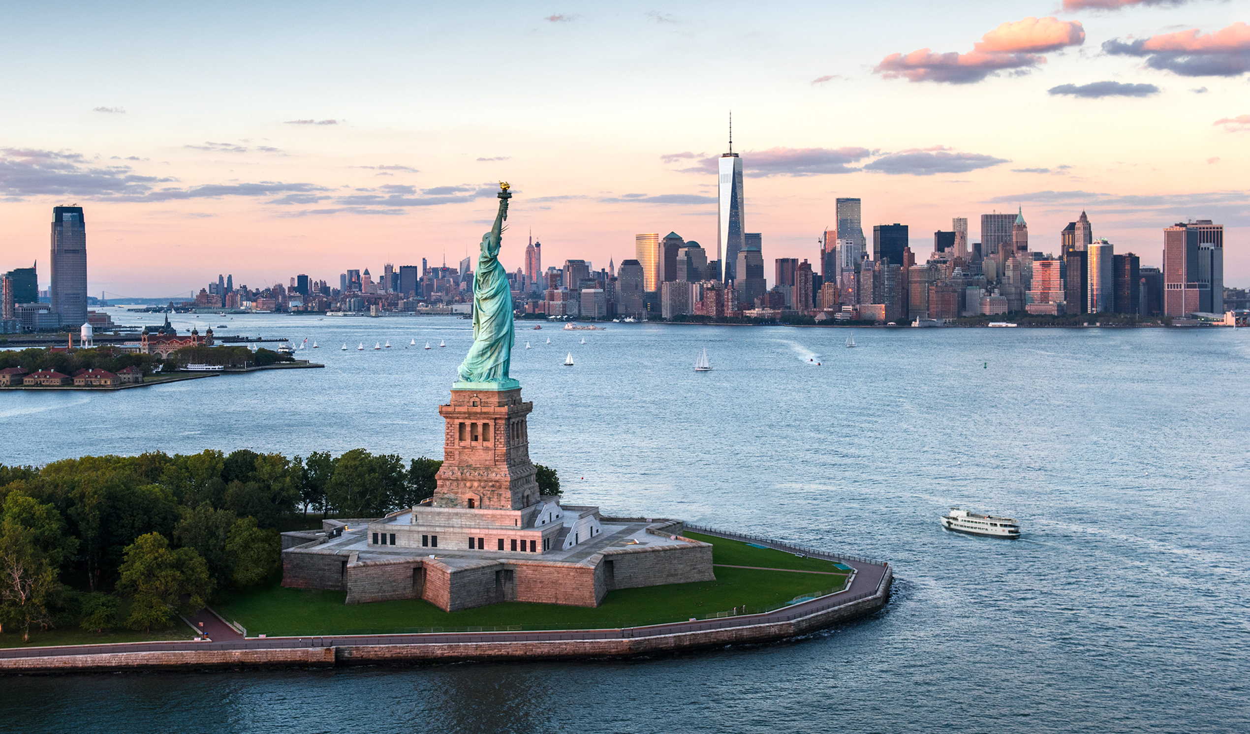 Statue-of-Liberty-tuong-nu-than-tu-do-new-york-mixtourist